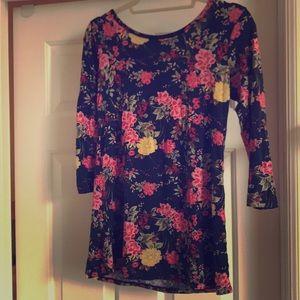 Crossback floral Loveappella shirt