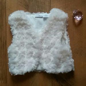 3T fur vest