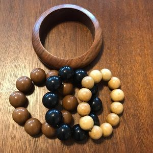 Jewelry - Lot of vintage beaded bracelets and bangles