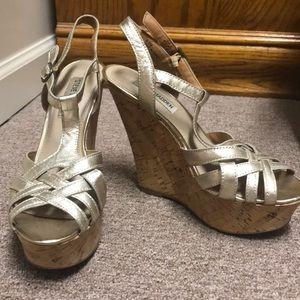 Steve Madden Platinum Wedge Sandals Size 6.5