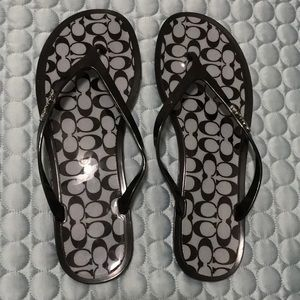 Coach Lyra black & grey signature flip flops sz 9