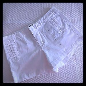 Gap outlet white shorts size 8 nwt