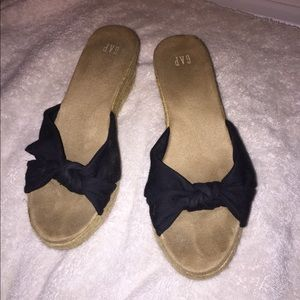 Gap Wedge Heels- worn maybe once/ good condition