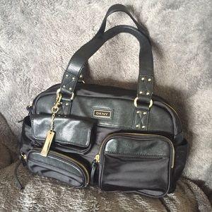 blackFRIDAY sale🎉 DKNY black purse