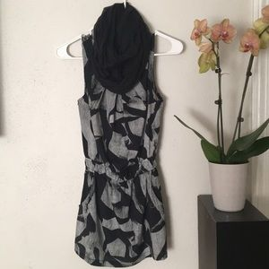 Black and White tank/tunic/minidress EUC
