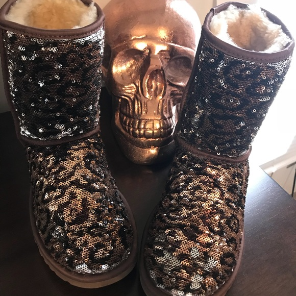 977b81dffe3 Women's rare limited edition leopard sequin Uggs.