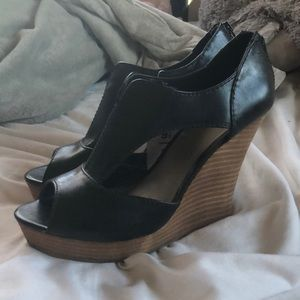 Mossimo black leather wedges