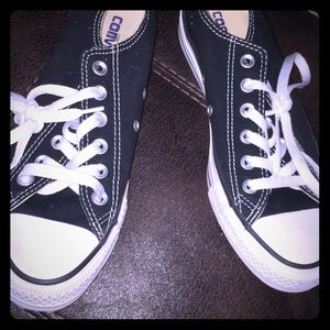 Converse only worn once