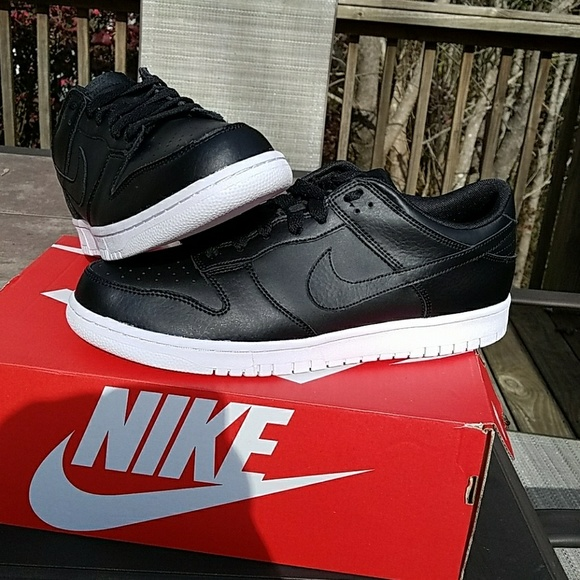 promo code 18044 5adc6 Brand new Nike Dunk Low black and white