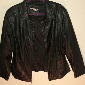Women black maxims heavy leather jacket size L