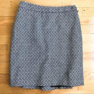 New Ann Taylor Loft black white skirt size 2