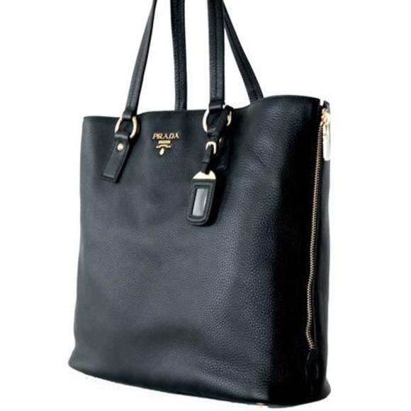 a3472cb12cf9 PRADA Large Vitello Daino Nero Black Leather Bag. M 5a1475635a49d011d802a23c