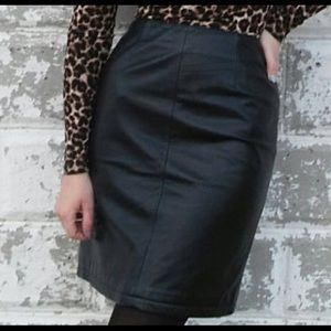 Wilson's Leather Black Leather Pencil Skirt