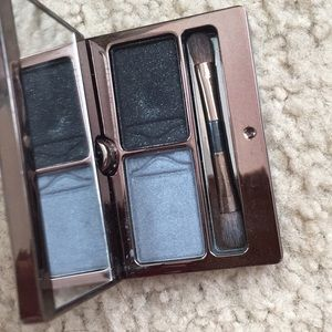 Hourglass duo in prism