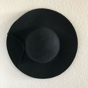 Missguided medium brim hat