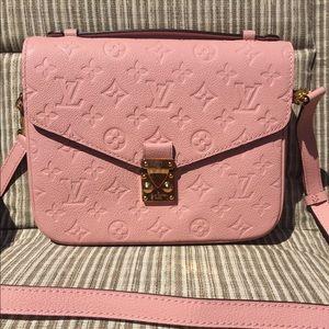 Louis Vuitton pochette metis rose