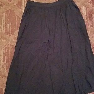 Navy fleary skirt