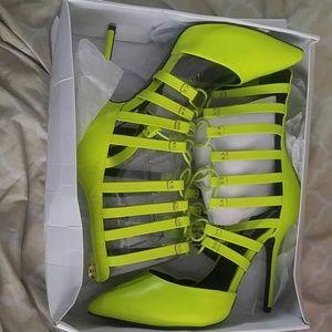 Brand new sexy heels