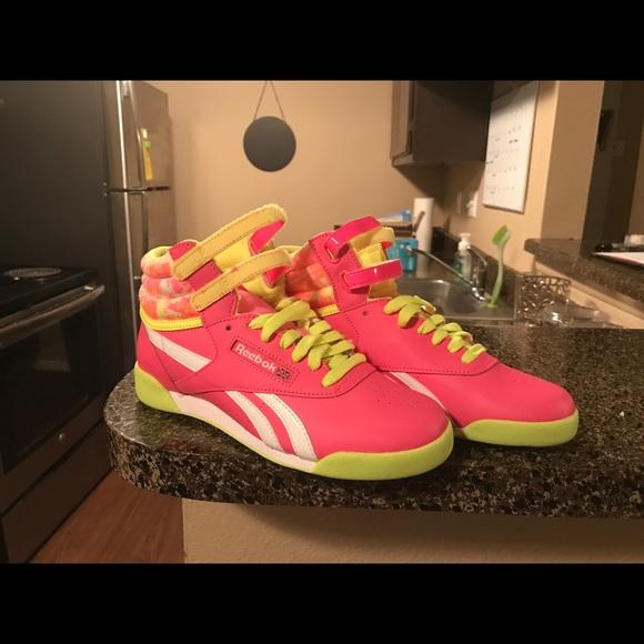 5fdb4f5ae02c1e Reebok Shoes - Reebok Classic High Top Neon Velcro - 7.5