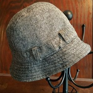 Women's Gap reversible hat
