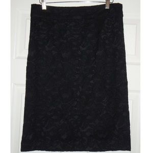 NWT Banana Republic Size 4 Black Lace Pencil Skirt