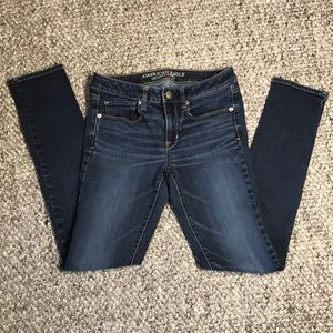 Woman's American Eagle Skinny Jeans