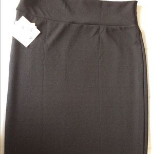 LuLaRoe BLACK XL Cassie.