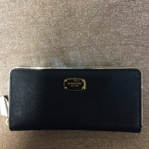 2bfdd893890f Michael Kors Saffiano Frame Continental Wallet