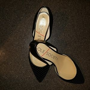 New Sole Society Black Pumps