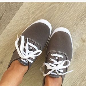 KEDS • Gray/white sneakers