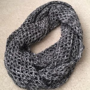 Netted scarf