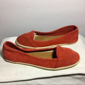 Dolce Vita⚜Womens Size 8.5 Red Suade Flats
