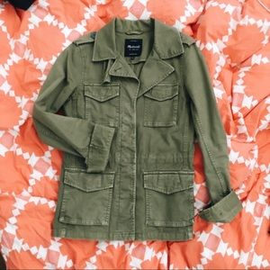 🍁 Fall is here 🍁love this Madewell jacket 🍁