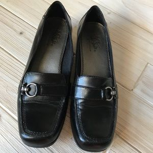 Life Stride BAHAMA Black Heeled Comfy Loafers 7.5