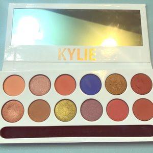 Kylie cosmetics pallet!