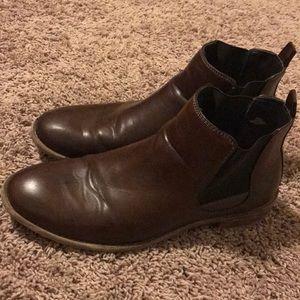 Robert Wayne Brown leather Chelsea boots