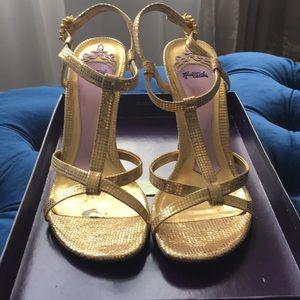 Hale Bob Gold Sandals Size 6