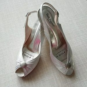 Vintage Hush Puppies Silver Slingback