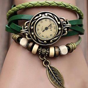 Quartz Bright Green Leather Leaf Bracelet Watch