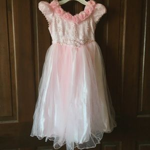 Pink Princess Pearl Floral Size 6 Formal Dress