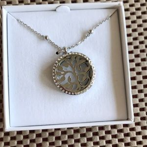 Silver Aromatherapy pendant with three disks NWT