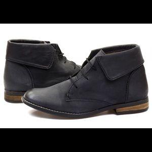 Steve Madden Stingrei black leather boots Ankle