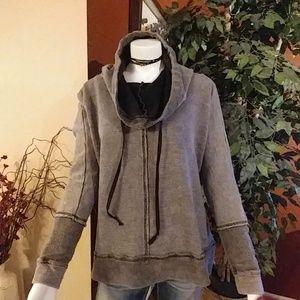 Gimmicks Half Hooded Sweatshirt