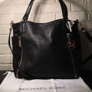 Michael Kors Crosby Leather LG Black Tote w/ Strap