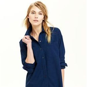 Old Navy CHAMBRAY BOYFRIEND BUTTON UP SHIRT