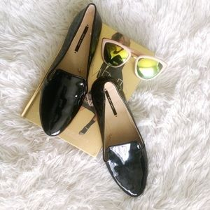 ZARA black glossy loafers w/gold heel detail NWOT