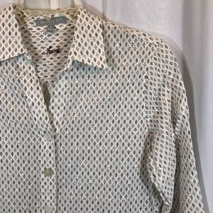 Foxcroft Shaped Fit Eyelet Lace Button Up, Size 12