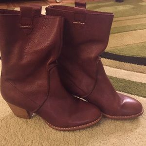 Wine Boots by Schuler & Sons