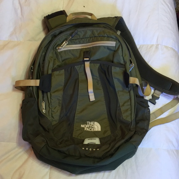 d36254cbd721 Army Green Northface Backpack