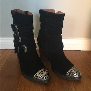 Brand New Jeffrey Campbell boots!